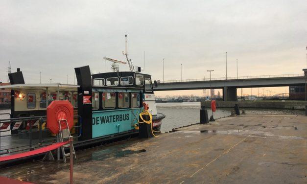Bus op het water stopt ermee