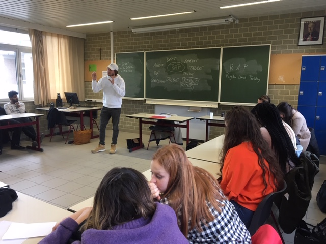 Rapper Eden Ice geeft Franse les