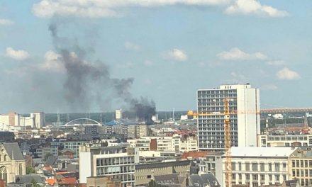 Brand zet familie met vier kinderen op straat