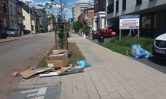 Appartementsgebouw is verzamelplaats voor het vuilnis van achterliggende straat