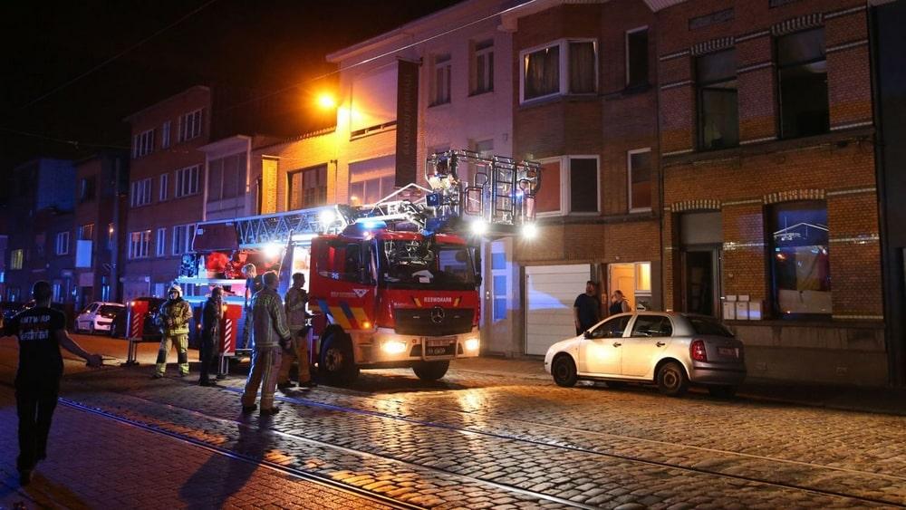 Nachtelijke brand met hevige rookontwikkeling