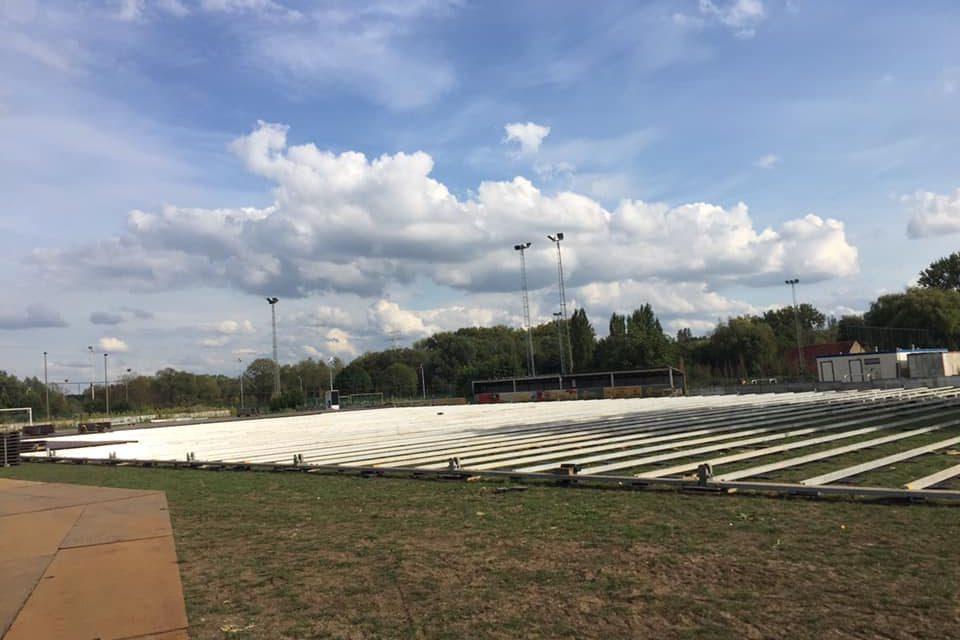 Tijdelijke ijsbaan in Park Groot Schijn in Deurne