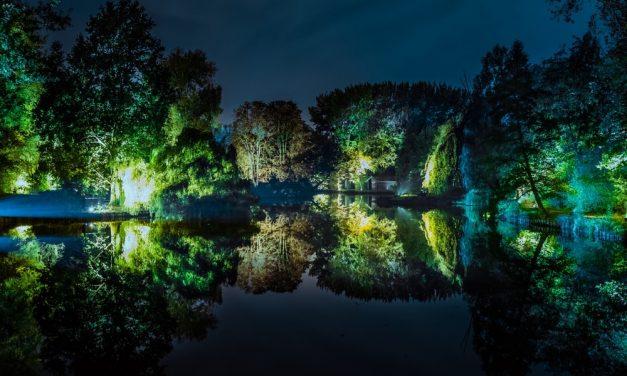 Rivierenhof wordt in de schemering een feeërieke plek vol magie