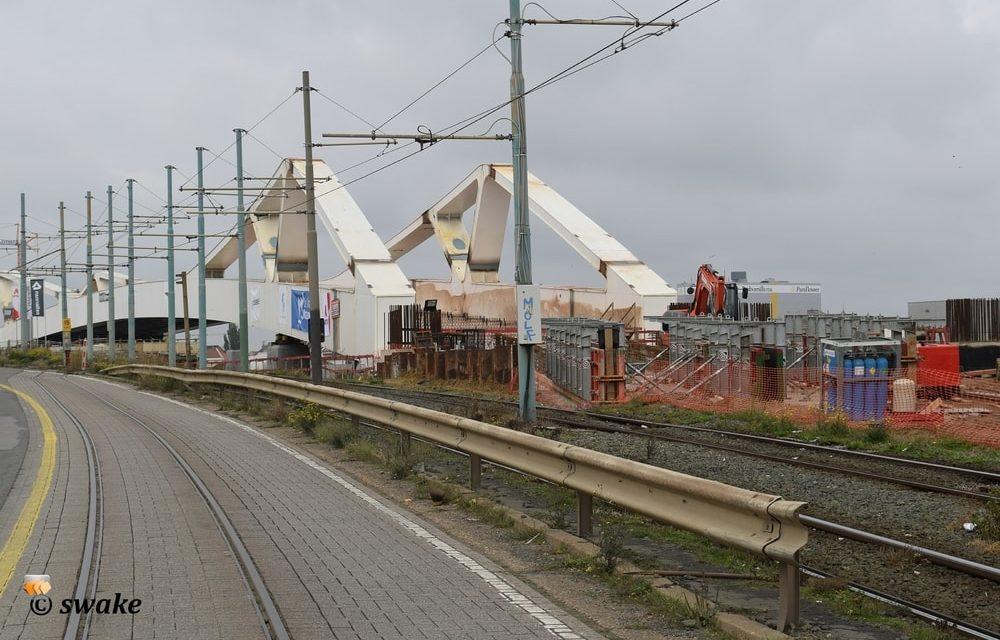 Eerste deel van de nieuwe brug aan het Sportpaleis is geplaatst