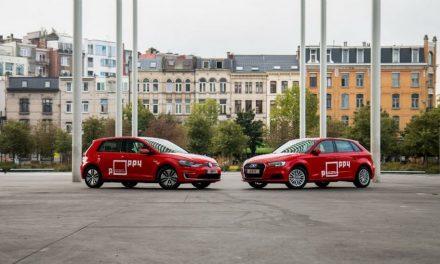 Plaats voor deelauto's op de luchthaven van Deurne