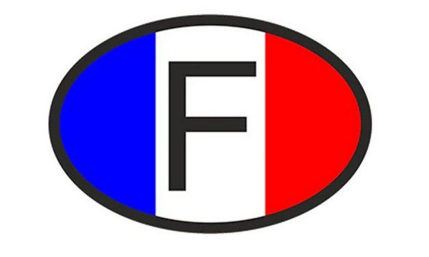 Frans voertuig achtergelaten