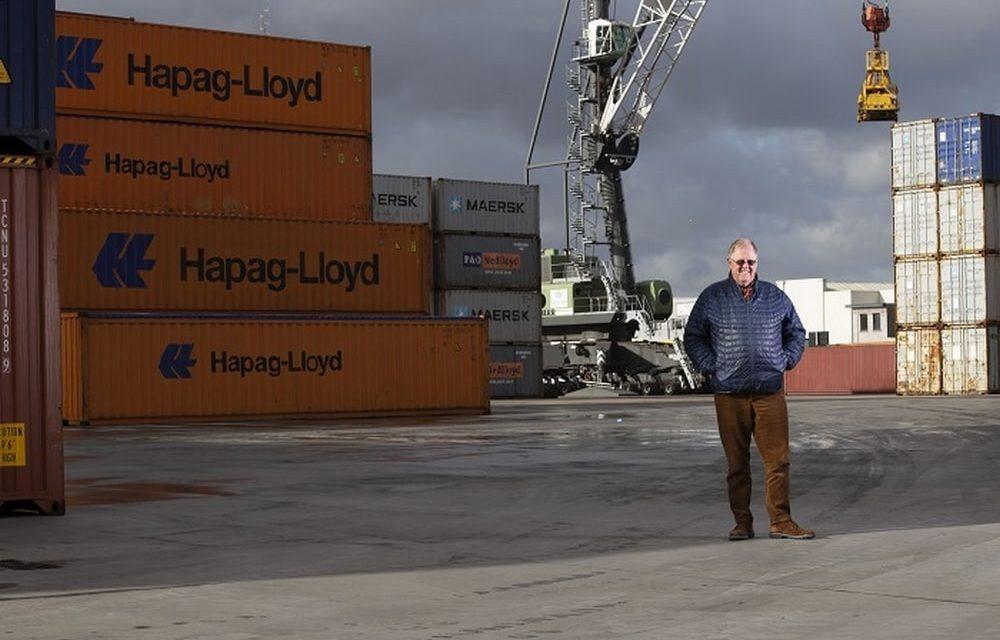 Gosselin bundelt containers van de binnenvaart voor de zeevaart