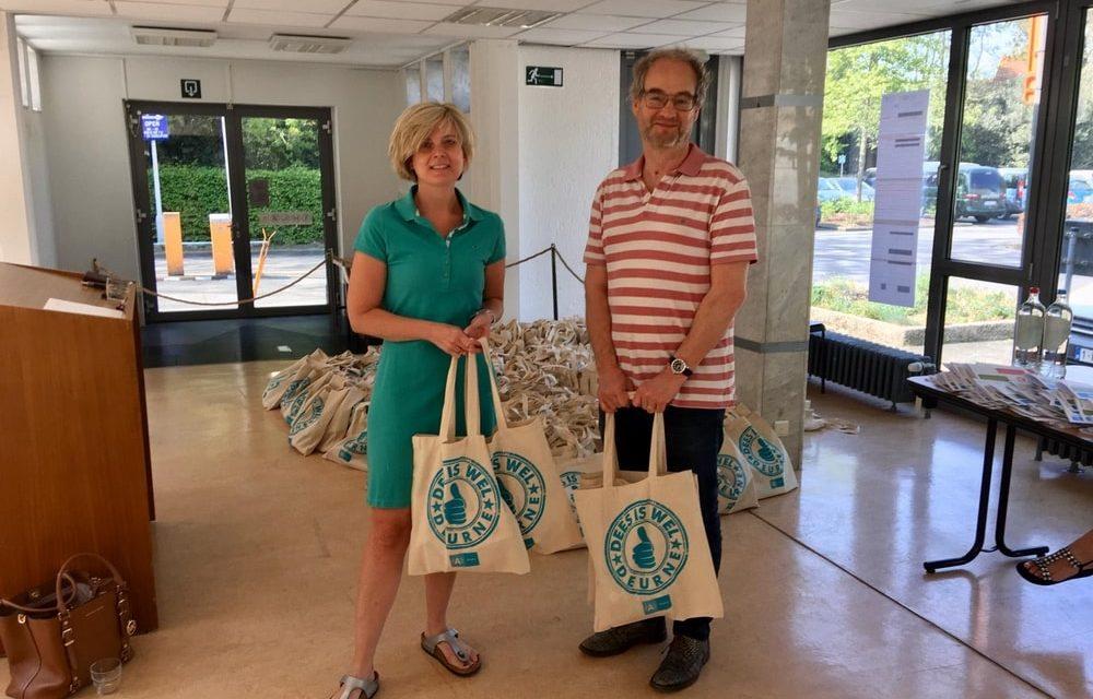 District Deurne geeft 1250 educatieve pakketten aan kwetsbare kinderen