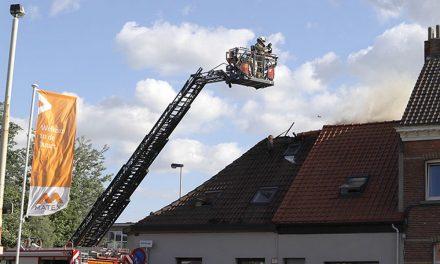 Dakbrand in Deurne