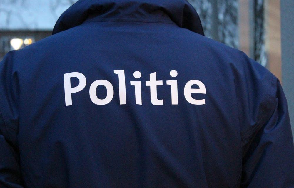 Dealers vluchten weg voor politie