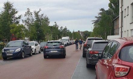 Chauffeurs respecteren fietsstraat Ruimtevaartlaan niet