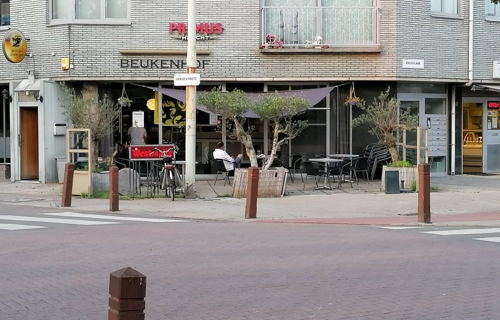 """Café Beukenhof is café Peukenhof"""