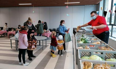 Boeren vinden onderdak in de basisschool