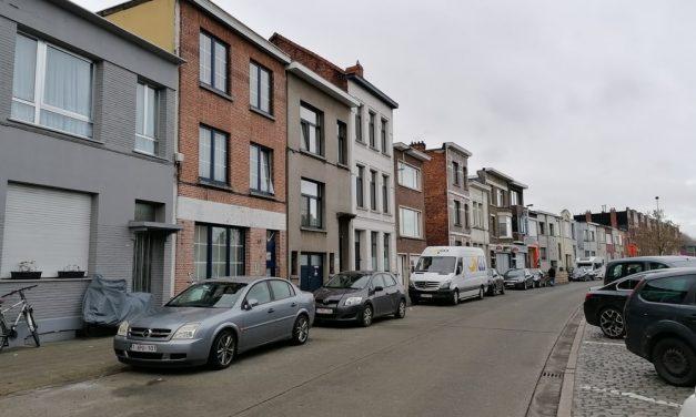 Stad wil huizen in Ten Eekhovelei opkopen