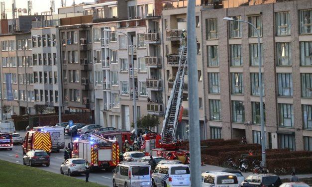 Brandweer rukt uit voor een keukenbrand