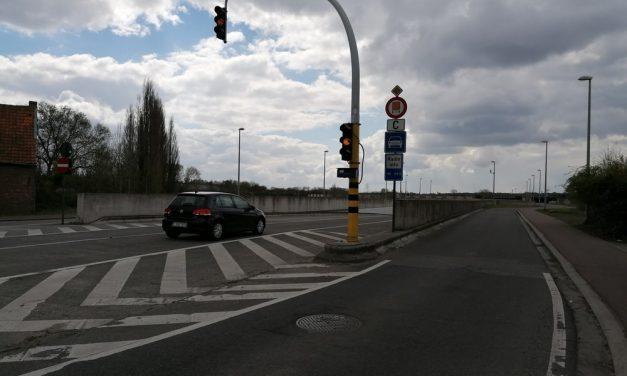 Weg voor uitwijkend verkeer is een bron van onveiligheid