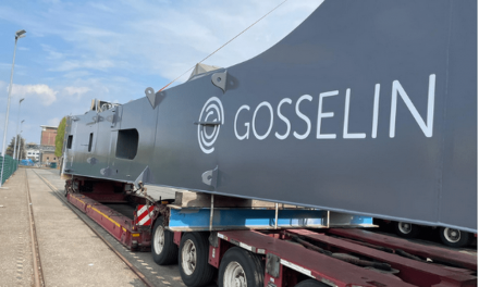 Nieuwe mobiele kraan kan 125 ton heffen