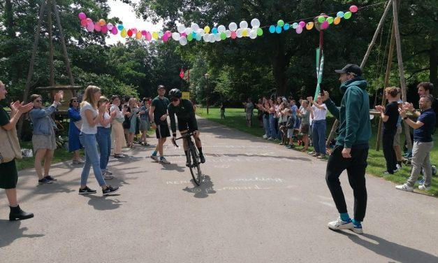 500 km fietsen voor overleden vriendin