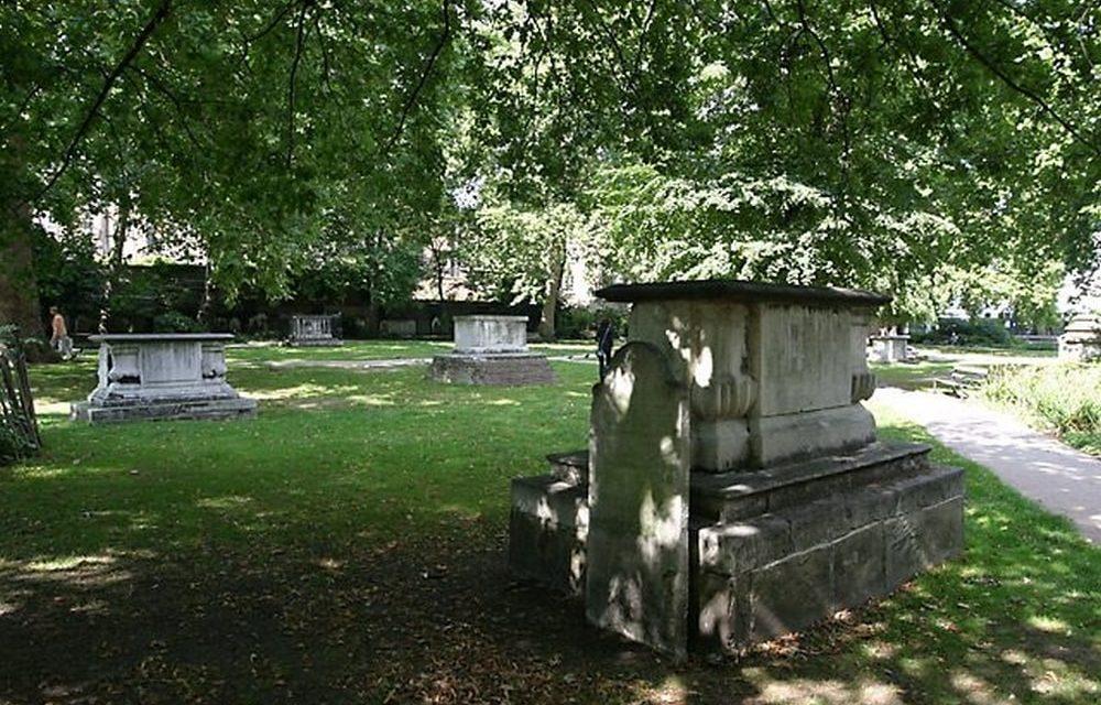 Deurne wil van Sint-Fredeganduskerkhof een begraafpark op z'n Engels maken